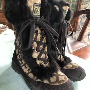 Coach truly adorable logo boots with rabbit fur